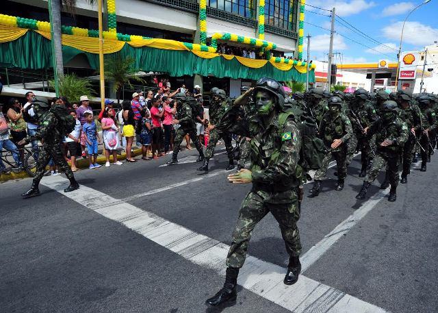 Resultado de imagem para desfile de 7 de setembro em petrolina