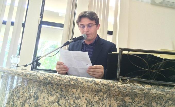 Elismar defende Edinaldo das críticas feitas por colegas na Câmara de Petrolina