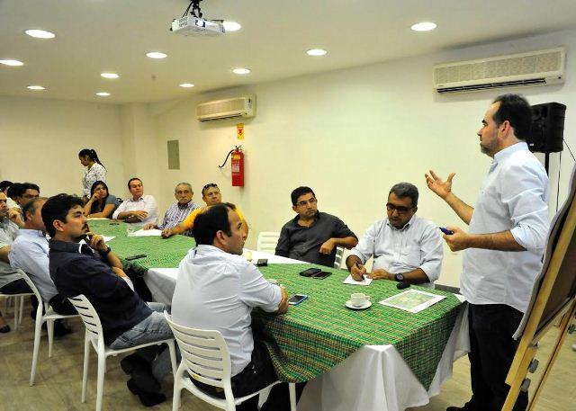 Prefeitos de Petrolina e Juazeiro apresentam Projeto do Anel Viário a grupo de empresários do Vale